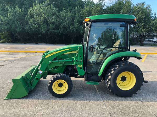 Photo John Deere 3720 CAB Tractor 44HP 4WD Front End Loader HST 280Hrs - $27,900