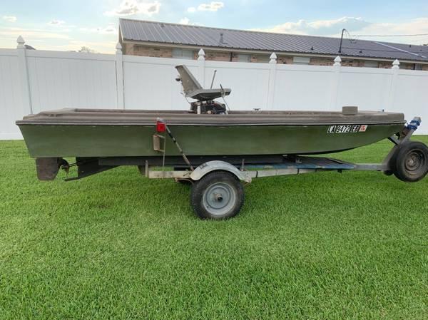 Photo Mud Boat - $2,800 (Raceland)