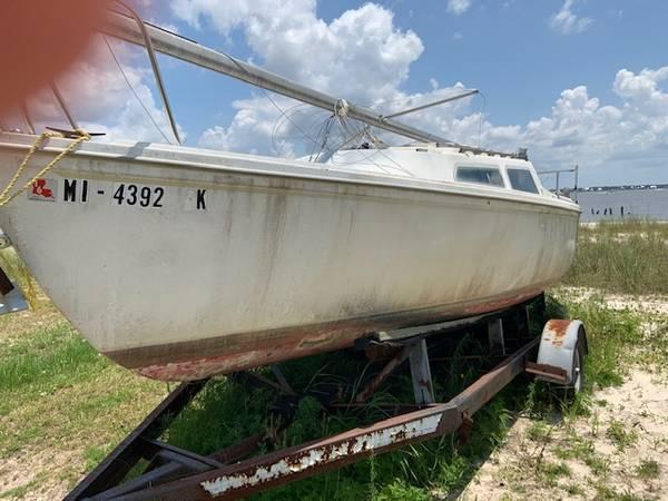 Photo REDUCED -- CATALINA 22 SAILBOAT - $1,100 (Bay St Louis, MS)