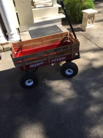 Photo Radio Flyer Wagon - $60 (Metairie)