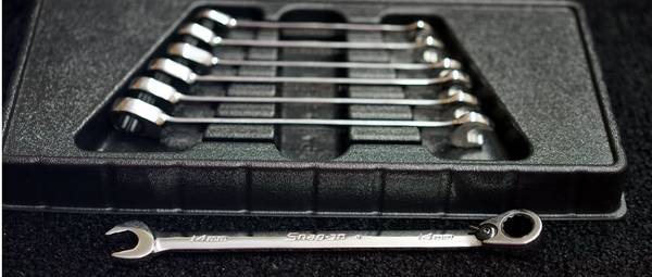 Photo Snap-On 7 pc Metric Flank Drive Plus Reversible Ratcheting Wrench Set - $250 (METAIRIE)