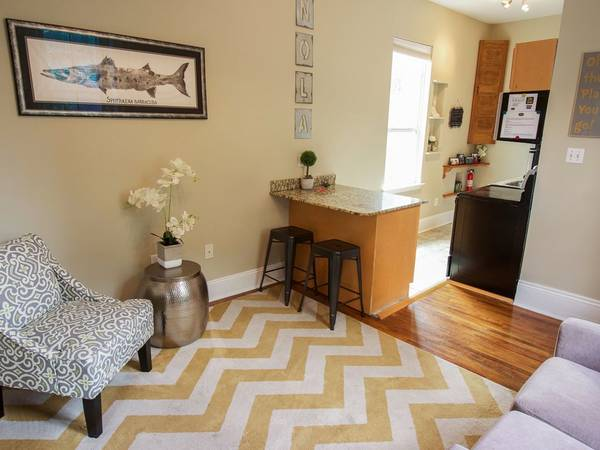 Photo Spacious Beautiful Cozy 1 Bed1 Bath Carriage Home (New Orleans)