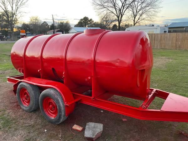 Photo 1000 gallon tank and trailer - $2,500 (Waller)