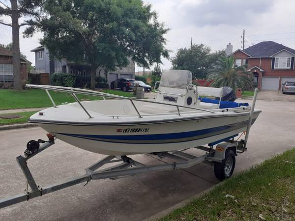 Photo 18 foot center console boat - $7,000 (Houston)
