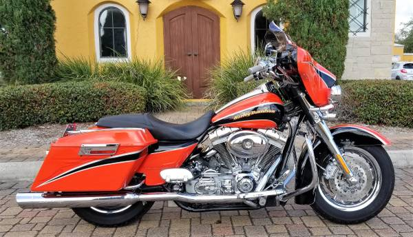 Photo 2004 HARLEY CVO SCREAMING EAGLE ELECTRA GLIDE - $11,500 (Kemah)