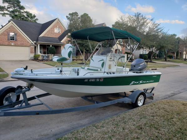 Photo 2004 bay Stealth 1880 center console bay boat in excellent condition - $6700 (Houston)