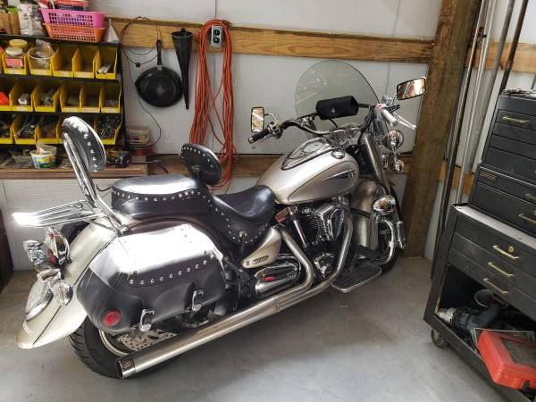 Photo 2005 Yamaha Road Star price DROP - $3,750 (Hockley)