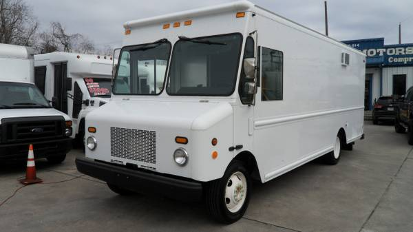 Photo 2006 wORKHORSE STEP VAN FOOD TRUCK CATERING - $22900 (HOUSTON)