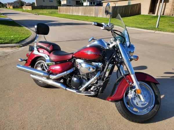 Photo 2007 Suzuki Boulevard C90T NEW FLUIDS Fuel Injected 1500cc - $3,900 (Cypress, TX. Negotiable Price Trade for Dirt Bike)