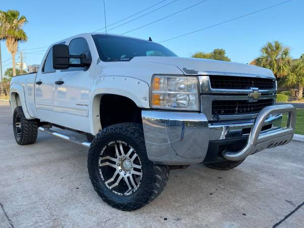 Photo 2010 CHEVY SILVERADO 2500 4X4 LIFTEDTURBO DIESELCLEAN TITLELIKE NEW - $15900 ((WE FINANCE) financing price (CALL JP (346)-212-6792))