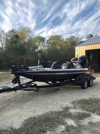 Photo 2011 Skeeter FX 20 Series - $35,000 (New Waverly TX)