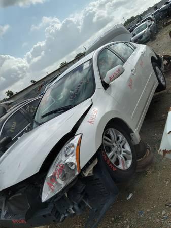 Photo 2012 Nissan Altima part out - $110 (Houston,Texas)