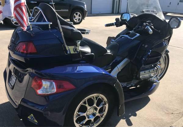 Photo 2014 GL1800 GOLDWING RAZOR (IRS) MOTOR TRIKE - LIKE NEW - 22,727 MILES - $24,900 (Spring Texas)