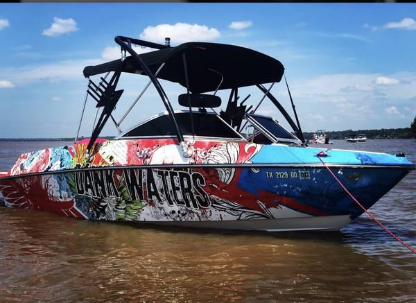 Photo 2015 bayliner 185 bowrider - $20,000 (Humble)