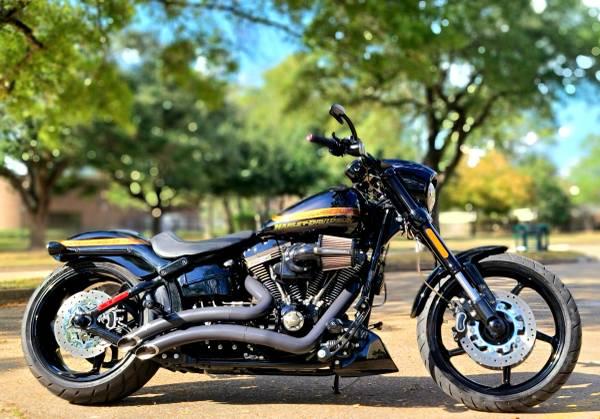 Photo 2016 Harley CVO Pro Street Breakout Stage IV 117 - $17,300 (West Houston)
