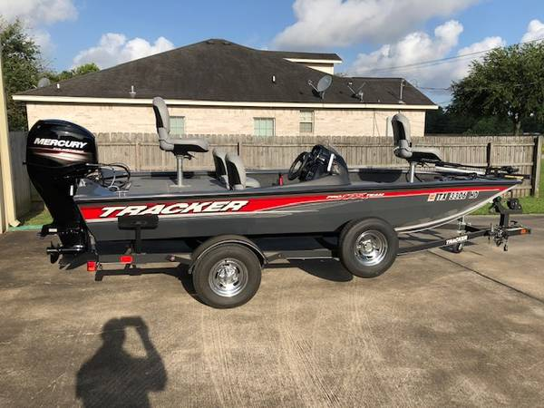 Photo 2018 Tracker Pro 175 TF 6 HRS. or Less (baytown,TX.)