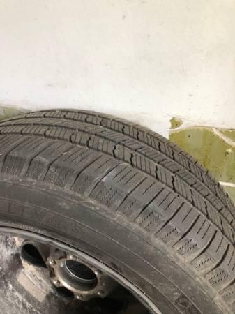 Photo 20Chevy Silverado Tahoe rims and tires - $450 (Rosharon)