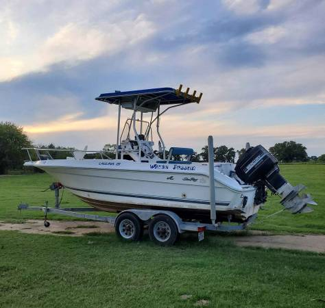 Photo 21 ft Sea Ray center console Fishing Boat - $12,500 (Whitney)
