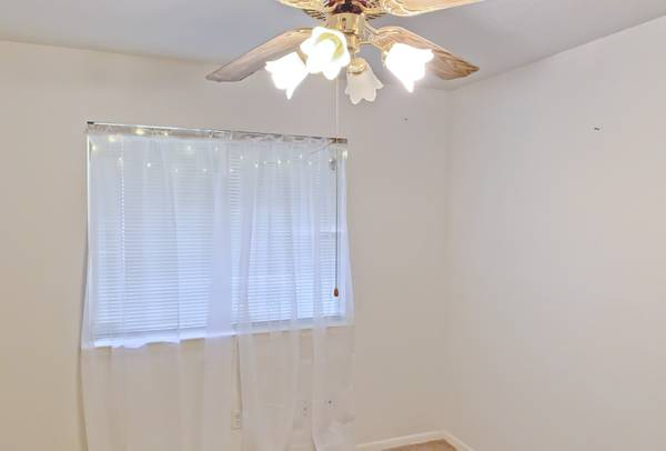 Photo $399  Private Bedroom in 4 Bedroom House  (Spring, TX  Houston Int39l Airport, Deerbrook Mall)