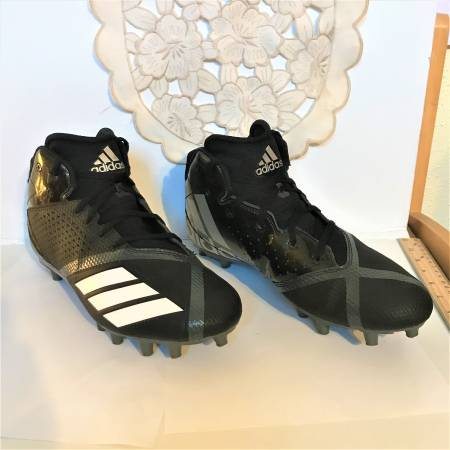 Photo Adidas Mens 5 Star Mid Football Cleat Size 10 - $25 (West University)