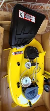 Photo Brand New John Deere 42quot Mower Deck for LA105, LA115, LA125, L100,L110 - $550 (North Houston)