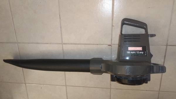 Photo CRAFTSMAN 12 Amp 195 MPH Leaf Lawn Yard Power Sweep BLOWER  VACUUM - $70 (Houston)