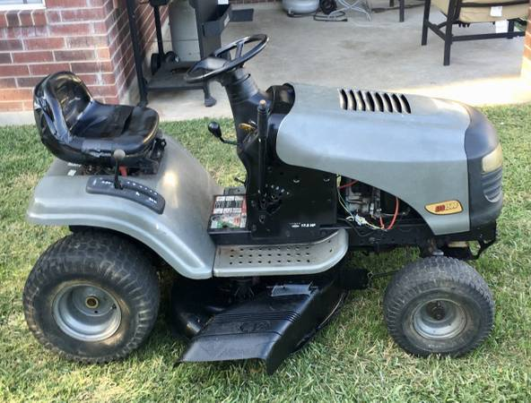 Photo Craftsman 42quot Riding Mower w 17.5 HP Briggs PRICE IS FIRM - $450 (Jersey VillageJVCypress)