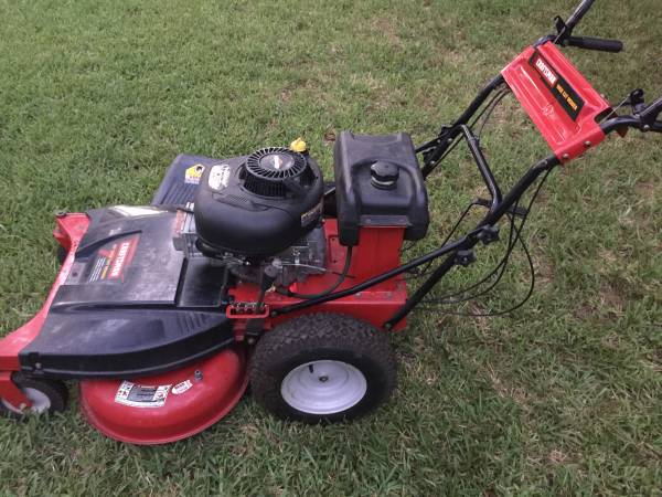 Photo Craftsman Commercial Cutting 33 Walk Behind  New Bagger - $1,125