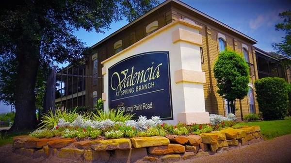 Photo Family come and view our renovated NO DEPOSIT Apartments at Valencia (Houston)