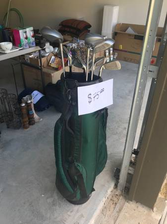 Photo Golf clubs - $75 (Conroe)