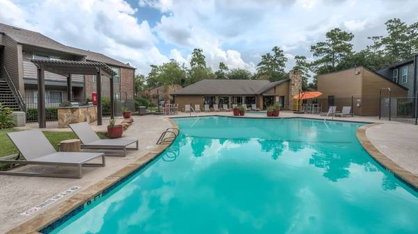 Photo Houston The Woodlands 1 Bedroom  1 Bath  $895  (Sawmill Rd, The Woodlands, TX 77380)