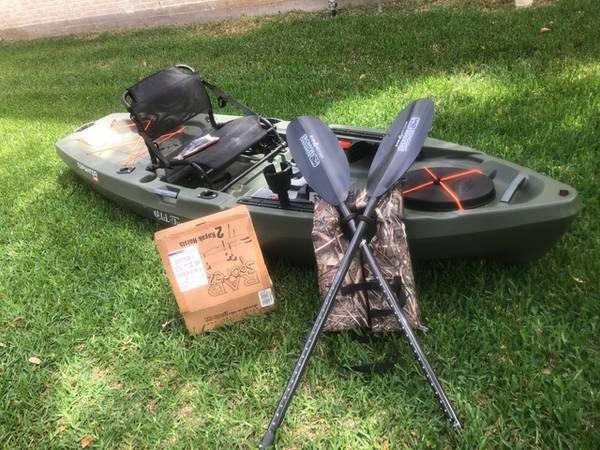 Photo Kayak (Fishing stand up) - $850 (Cypress, TX)