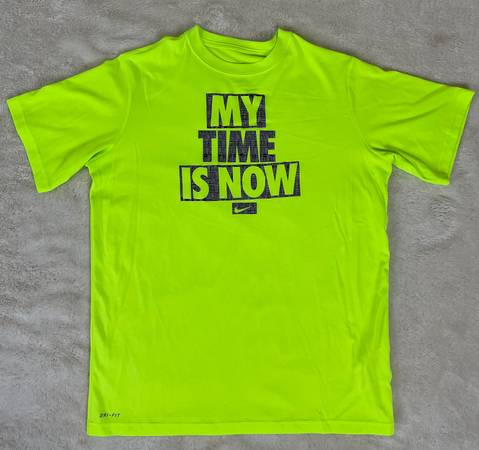 Photo Nike Neon Yellow Dri-fit T-shirt XL - $5 (Katy Creek Ranch Plaza)
