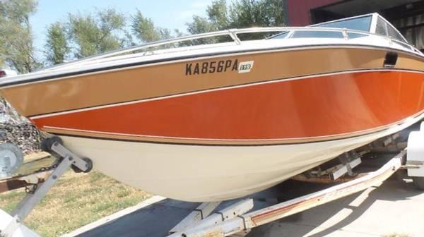 Photo Rare 1982 2239 Formula Thunderbird 3LS boat and Trailer - $6,500 (Magnolia)