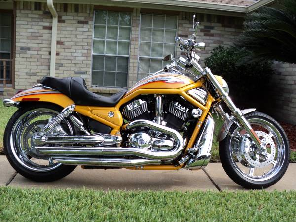 Photo SHOWROOM CONDITION 2006 SCREAMING EAGLE V-ROD w 6K - $11,500 (HOUSTON)