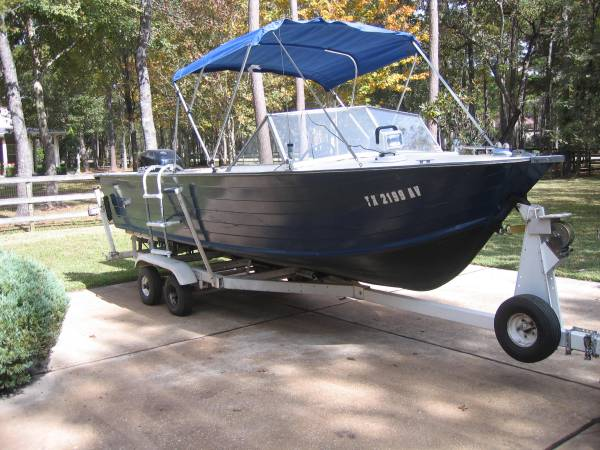 Photo Starcraft 18 ft. aluminum boat - $7,500 (MAGNOLIA)