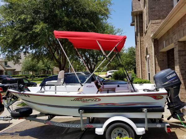 Photo Triumph 150CC (Cool) Center Console Boat - $9,999 (SUGAR LAND)