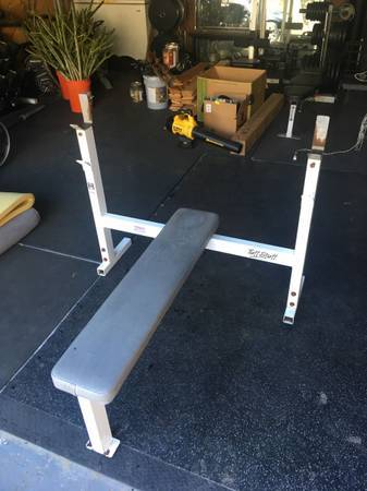 Photo TuffStuff Olympic weight bench - $400 (Richmond)