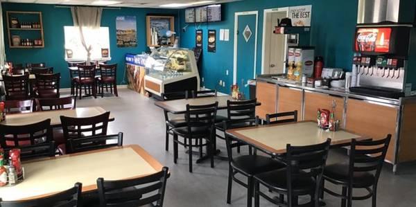 Photo Turnkey Restaurant with $85,000 in Net Profit - $65000 (Bridge City)