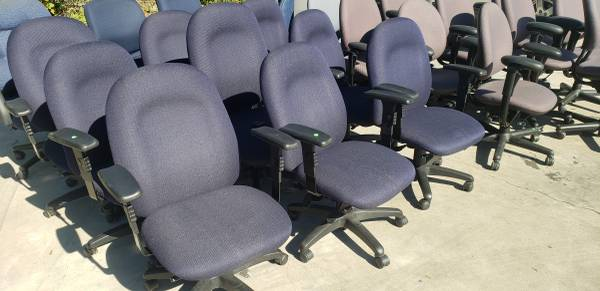 Photo USED OFFICE FURNITURE AVAILABLE FOR SALE.. (HOUSTON TX)