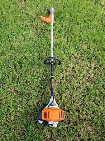 Photo Very Powerful Stihl FS111R Commercial Grade Weed eater Trimmer - $275 (Houston)