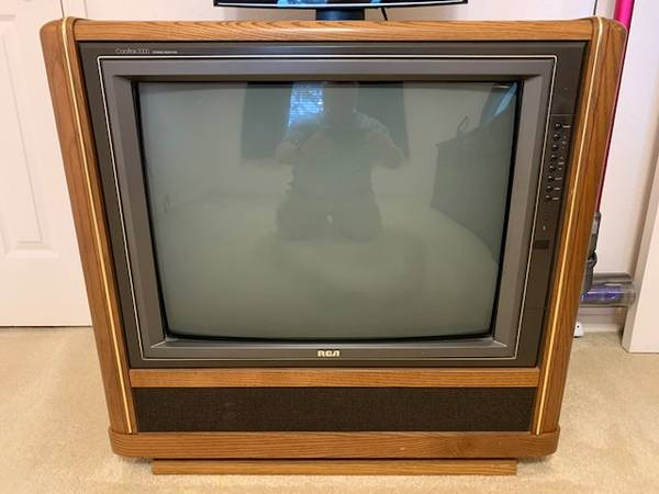 Photo Vintage 25quot RCA ColorTrack 2000 Stereo Console TV with Remote Control - $49 (Katy West Houston)