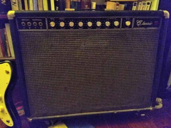 Photo Vintage Peavey Classic Tube Amp (Fender Twin Reverb style) w Fender speakers - - $350 (Houston)