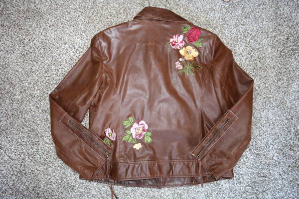 Photo Women39s size 16 New York Company genuine leather jacket - $20 (pearlandfriendswoodalvin)