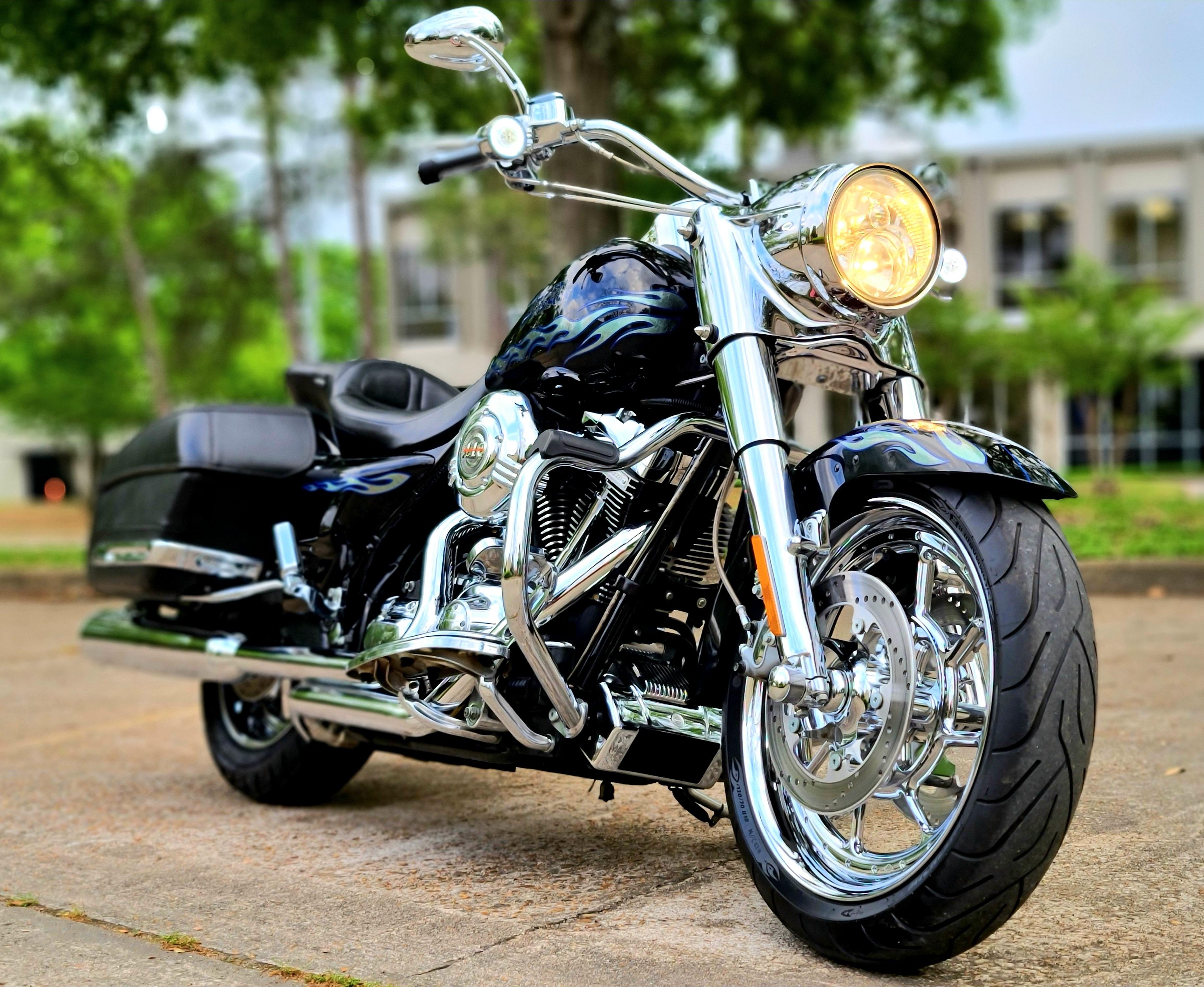Photo 2007 Harley-Davidson ROAD KING CVO $243.80243.80