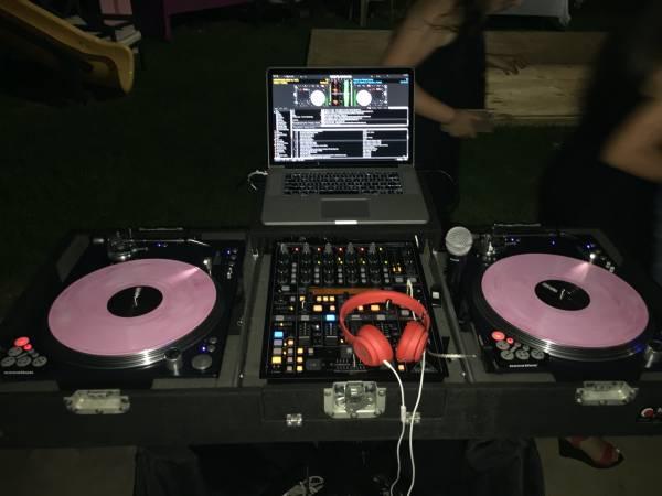 Photo complete DJ Setup ( vinyl turntables) - $1550 (Houston)