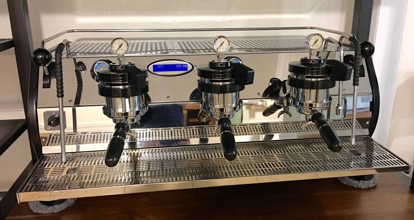 Photo 2015 La Marzocco Strada MP 3 Group Espresso Machine