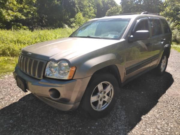 Photo 05 jeep grand Cherokee awd 6cyl - $3,100 (Newburgh - marlboro)