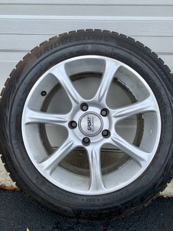 Photo 17 inch Sport Edition wheels with snow tires - $500 (New Paltz)