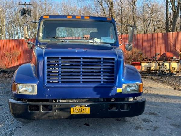 Photo 2000 International 4700 Flatbed Tow Truck - $14,500 (Clintondale)